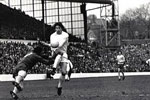 Vic Halom rounds Arsenal keeper Bob Wilson to put Sunderland one up midway through the first half